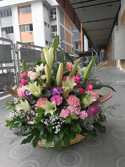 Lily and mix flowers arrangement