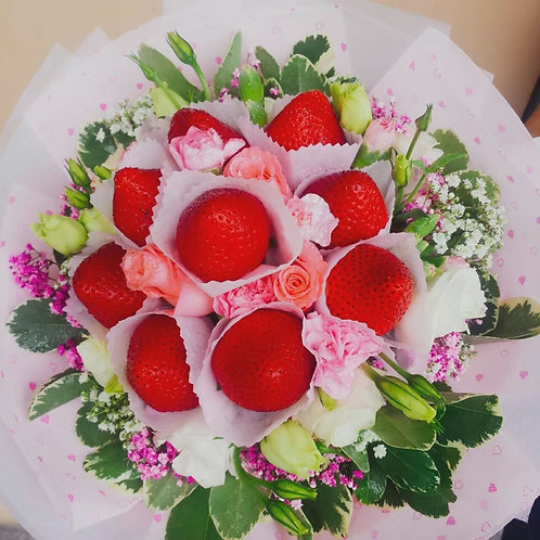 9pc strawberry & 2 pink rose bouquet