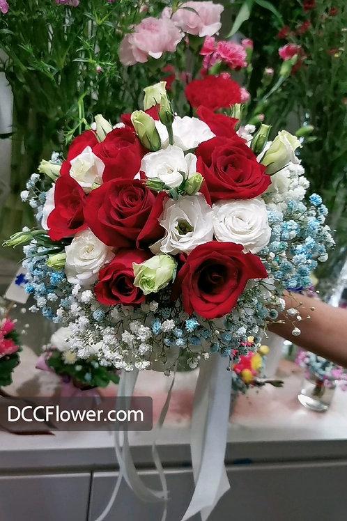 9 red rose & white eustoma posy