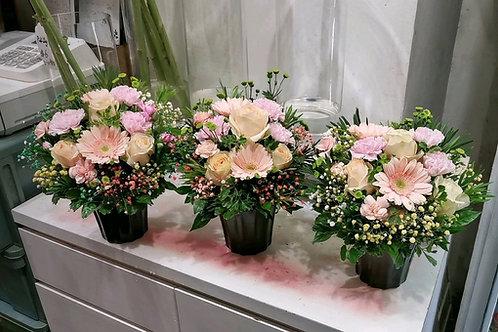 Gerbera and rose flowers arrangement