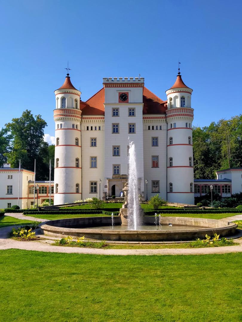 Wojanow_Palace_fot_A_Grochowska.jpg