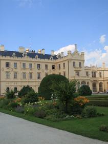 Lednice_castle.JPG