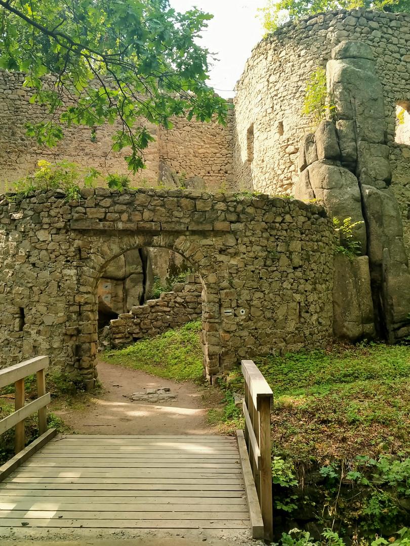 Bolczow_Castle_fot_A_Grochowska.jpg