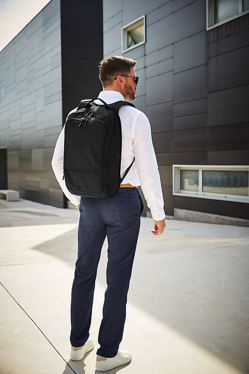 Quadra Pitch Black 24 Hour Backpack
