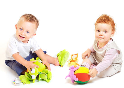 2 toddlers playing together