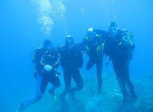 plongeurs certifiés en milieu hyperbare (scaphandriers classe II A)