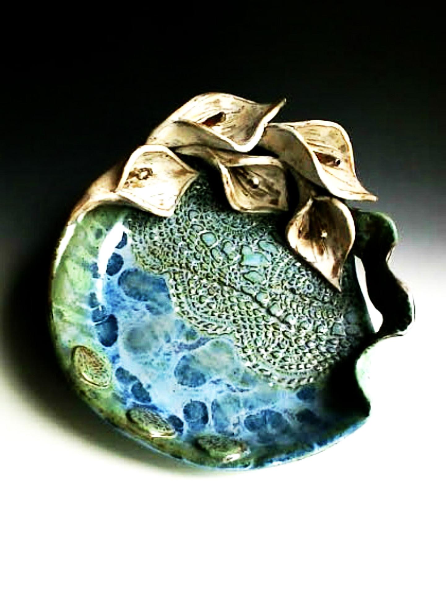 shallow calla bowl