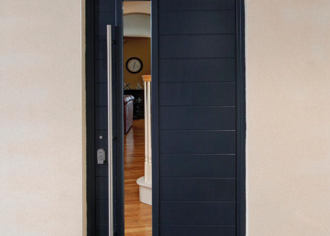 Alufold-aluminium-entrance-door-in-black