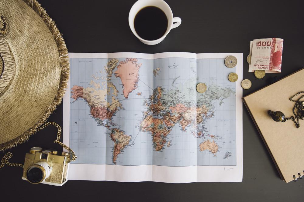 Carte du monde et organisation voyage Islande