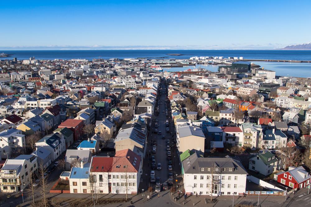 La rue Laugavegur à Reykjavik vue de haut - shopping en Islande