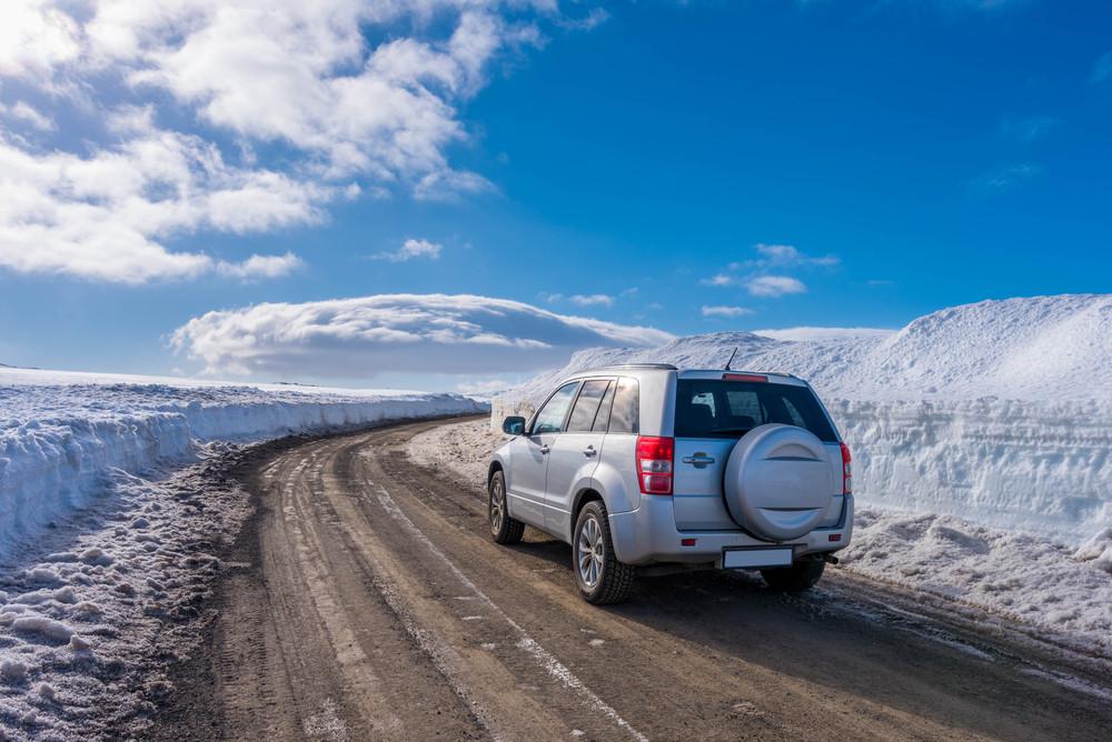Voiture hiver sur les routes d'Islande -Quelle voiture louer en Islande
