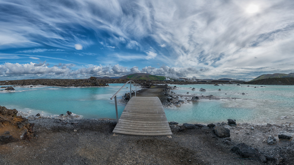 Blue lagoon et ciel bleu en Islande