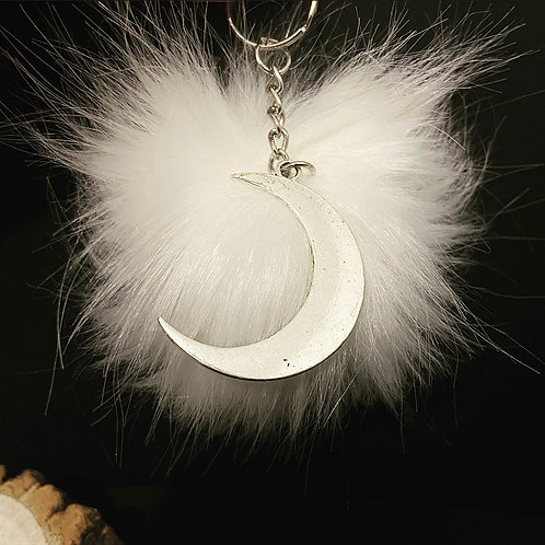 WHITE CRESCENT MOON - Pom Pom Keychain