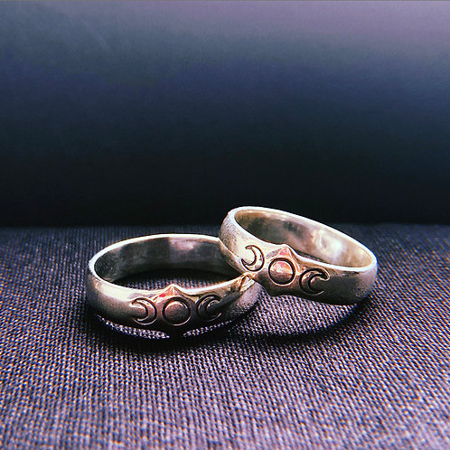 TRIPLE MOON - Engraved Sterling Silver Ring