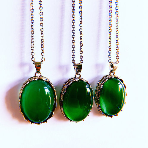 NATURAL GREEN AGATE - Necklace