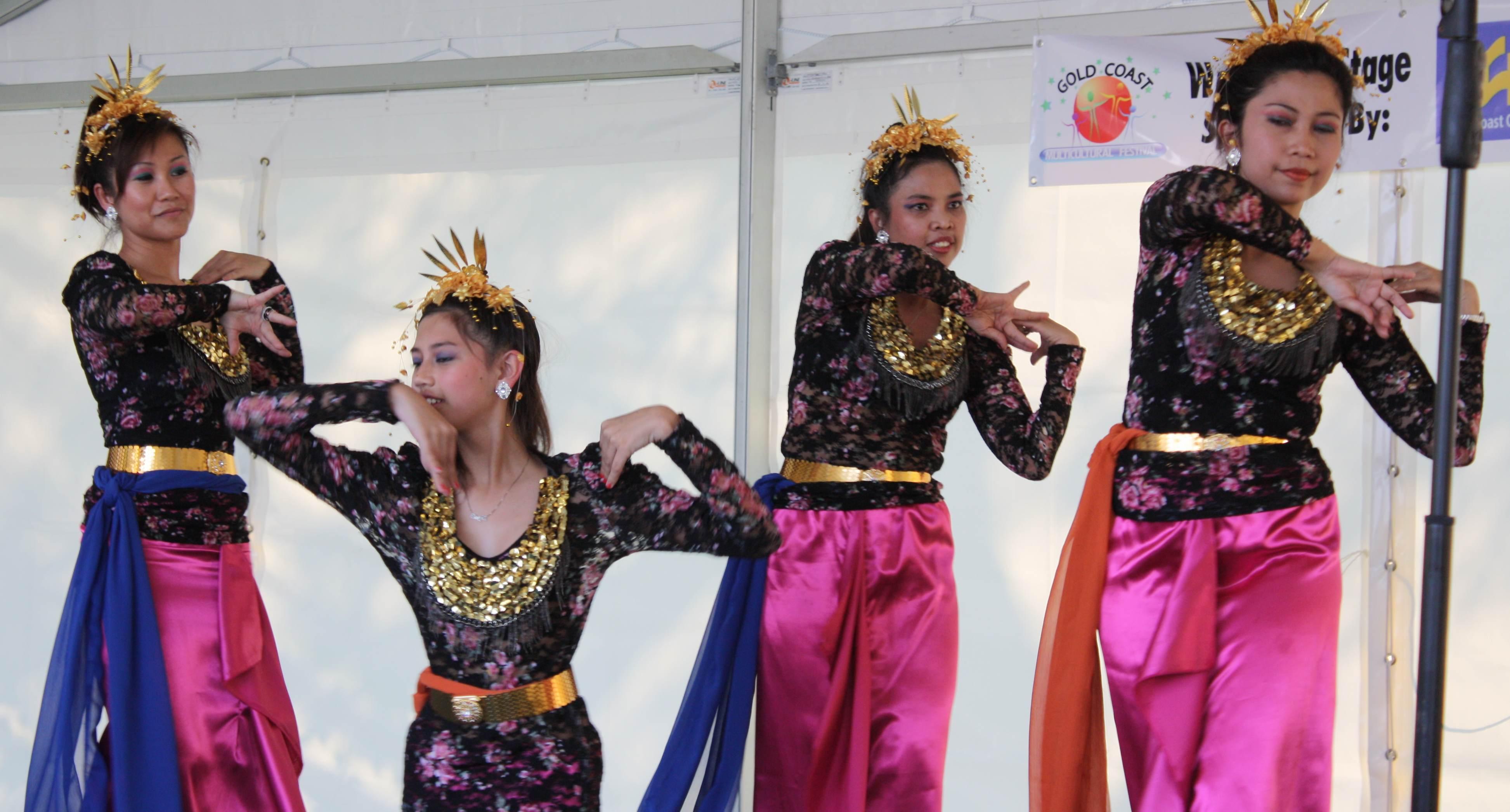 Philippine Dancers