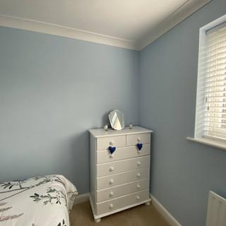 jdadecor_decorators_knaphill_bedroom.jpg