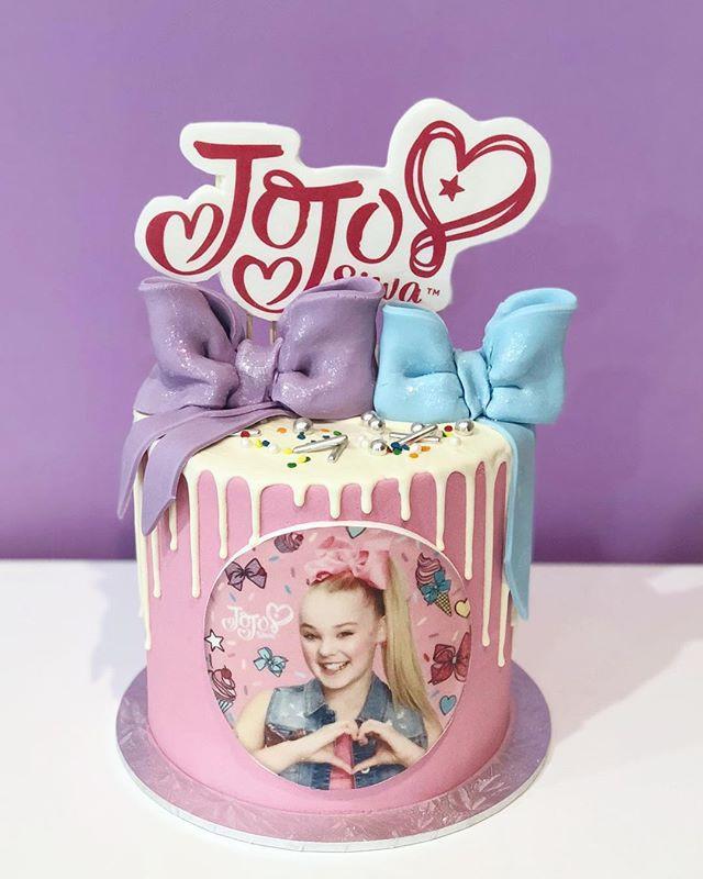 Mini version of our Jojo cake    how cut