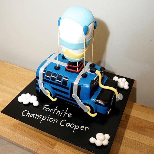 Fortnite Battle Bus Cake