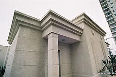 Fabricação de molduras de fachadaspara beiral superior (platibanda) em EPS.