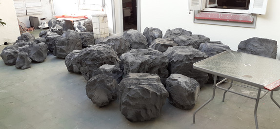 Pedras de isopor para cenografia