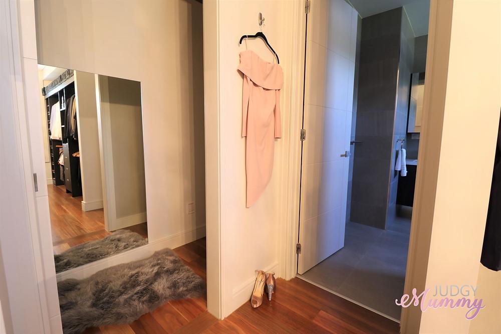 open plan walk in robe, hanging hook
