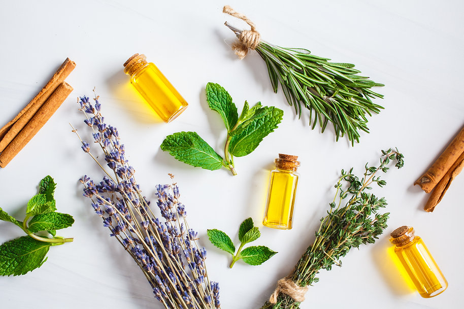 essential-oil-glass-bottles-thyme-mint-r