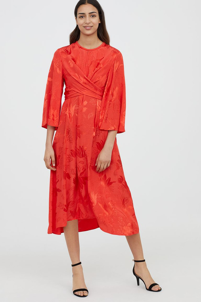 "H&M launches new ""Modest"" clothing line"