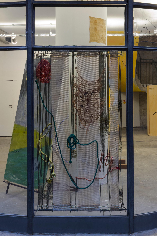 O Samba, 2018 | Scrim, wool, nylon, ropes, copper wire, lead weight on metal bar | 201 x 125cm