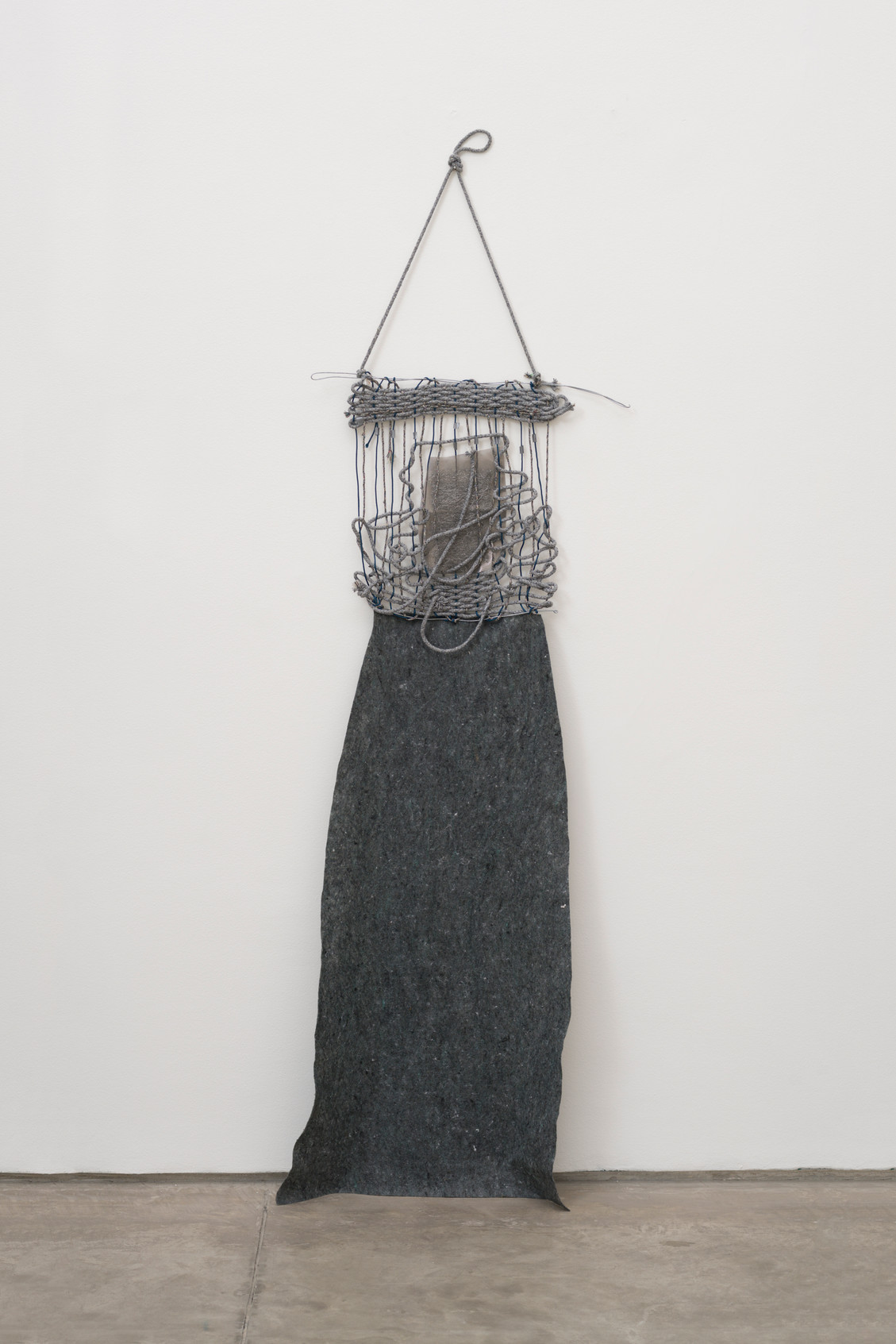 Woman, 2017 | Ropes, wire, gardening blanket and steel wool | 200 x 60cm