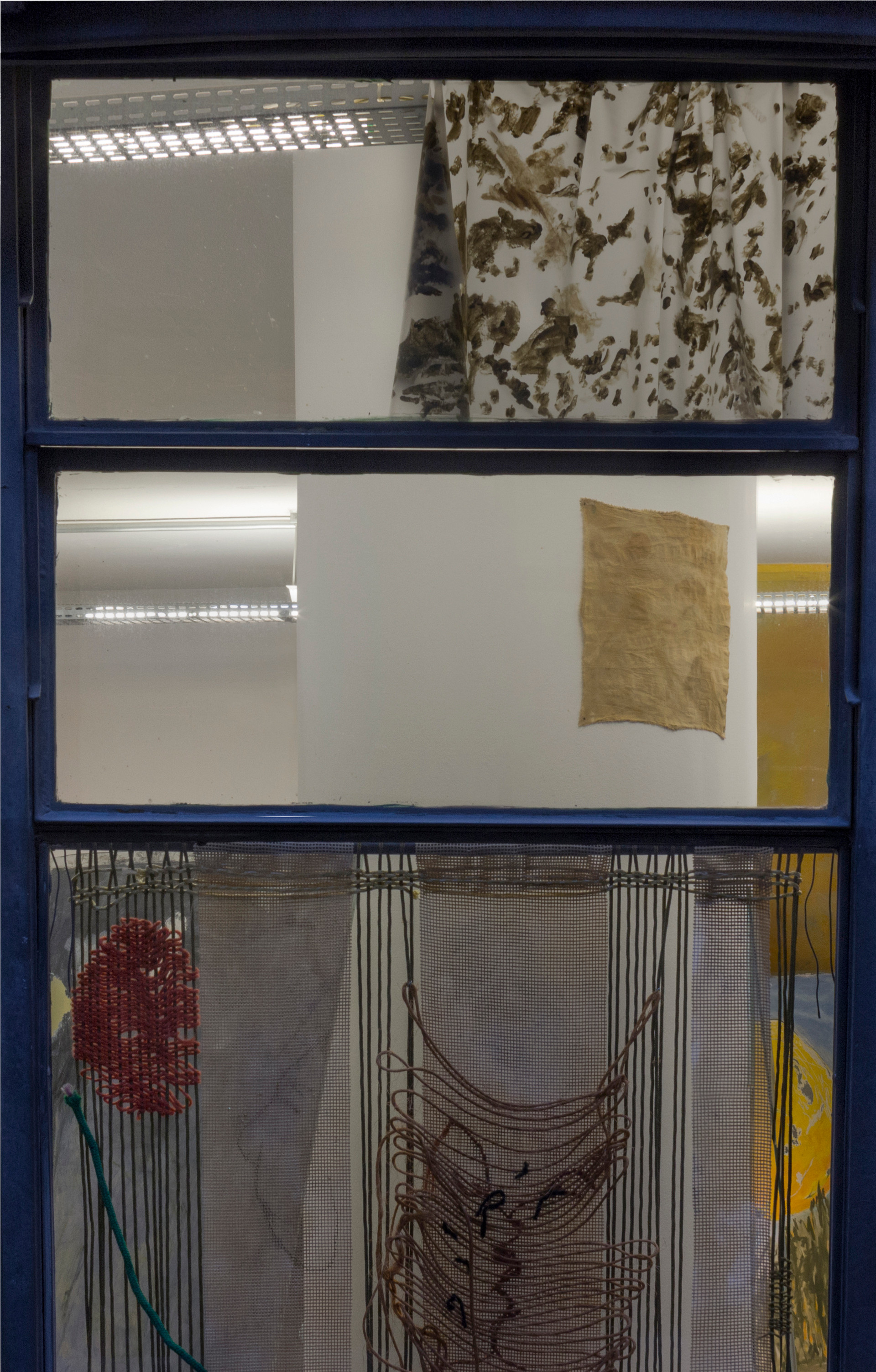 Curtain, 2018 Silicone sheet and enamel 44 x 110 cm