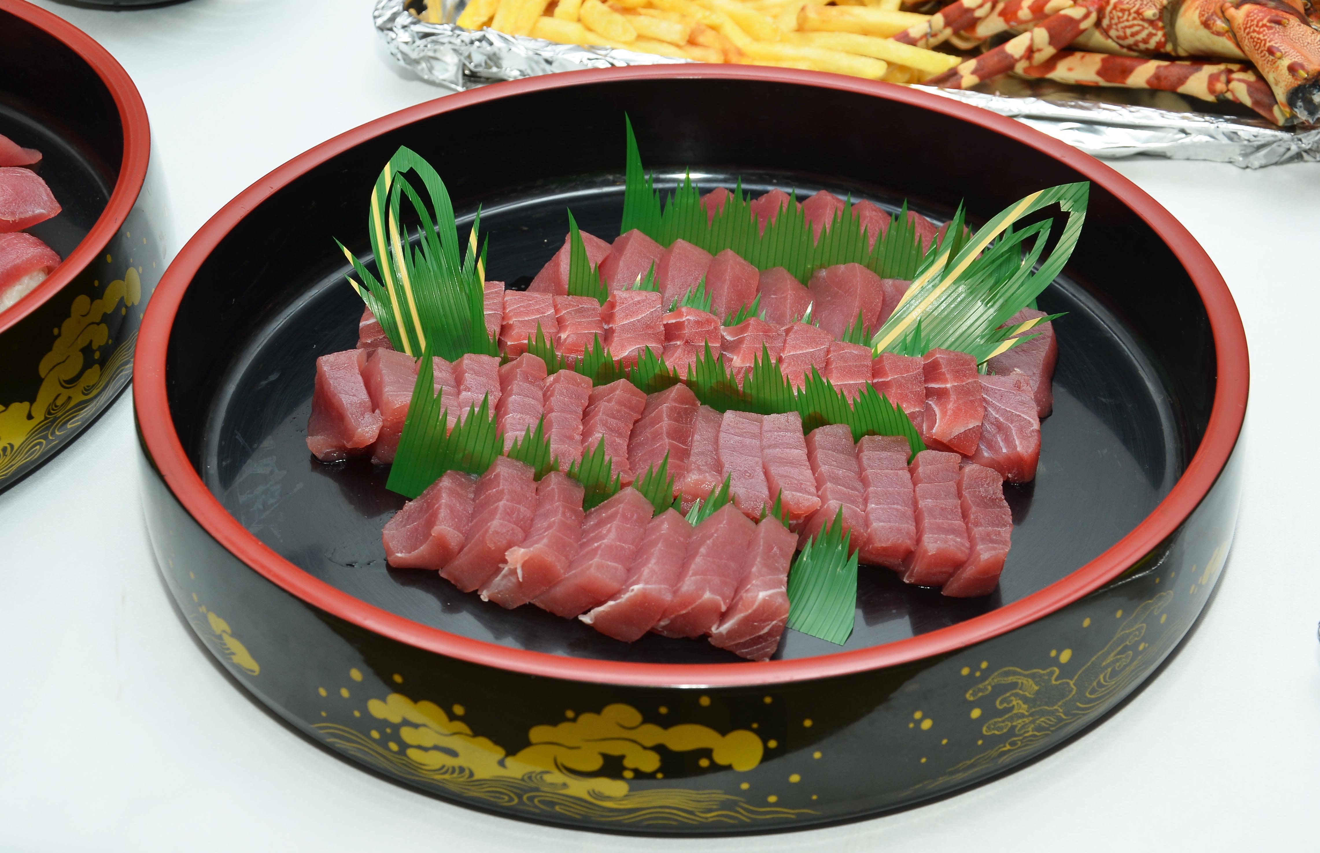 赤坂のお魚 ~マグロの赤身 お刺身~