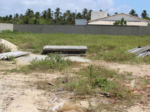 Foto interna do terreno doado para construção da Intituição