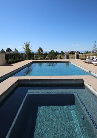 007-custom-pool-and-spa.jpg