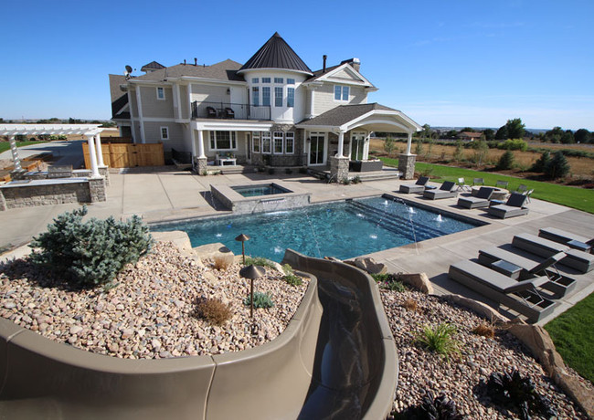 018-pool-with-slide.jpg