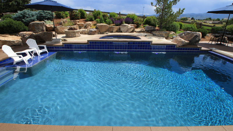 010-pool-and-spa-with-mountain-view.jpg