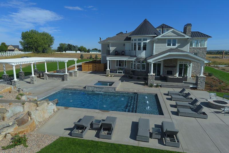 018-custom-swimming-pool-lounge.jpg
