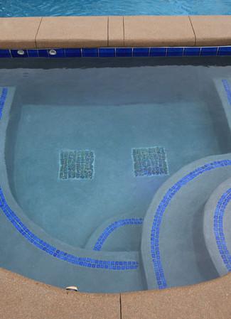 010-spa-and-pool.jpg