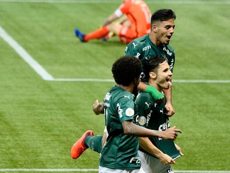 Palmeiras tem grande atuação e goleia Corinthians