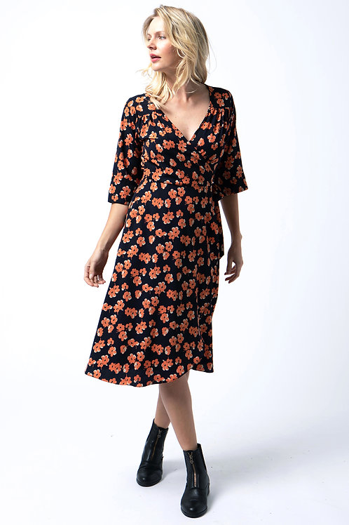 Wrap dress in Orange floral