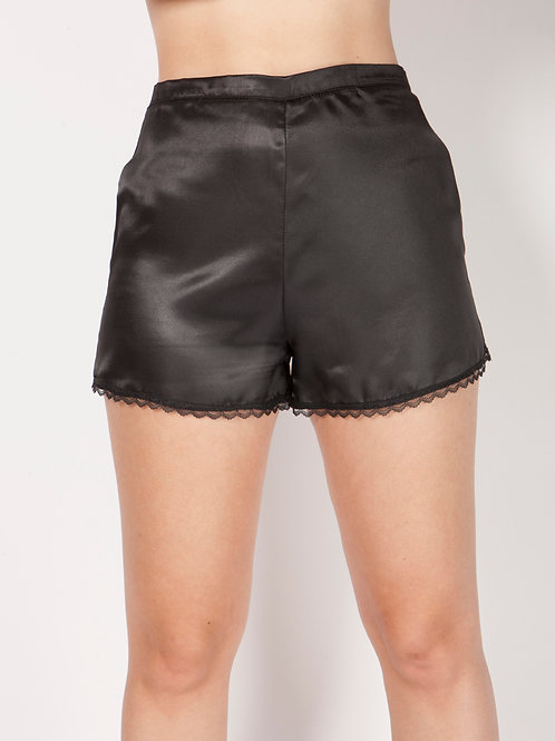 Pinup shorts in Black satin