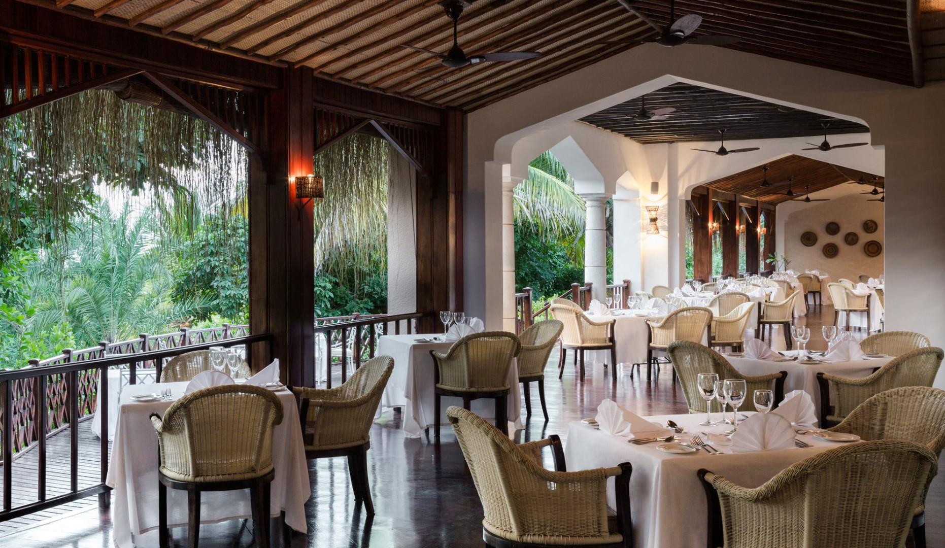 golfinho-restaurant.jpg