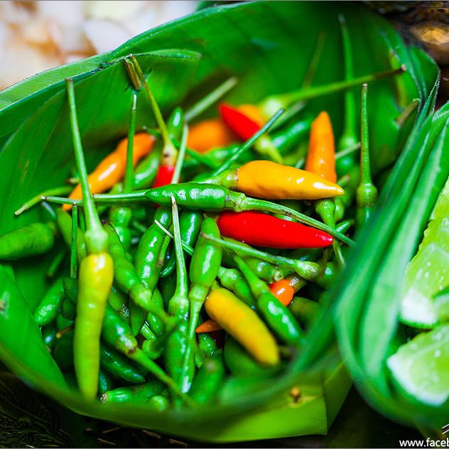 Mieng Kham Royal Leaf Wrap Appetizer