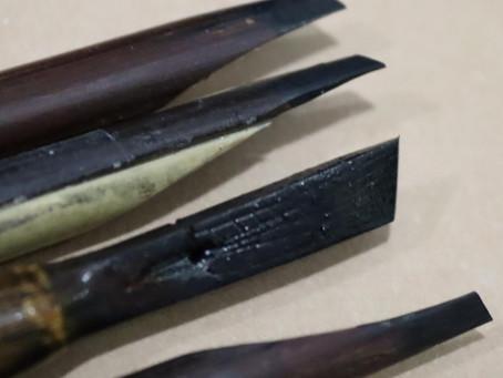 سلسلة - معلومات يحتاجها الخطاط - انسيابية الحبر من القلم