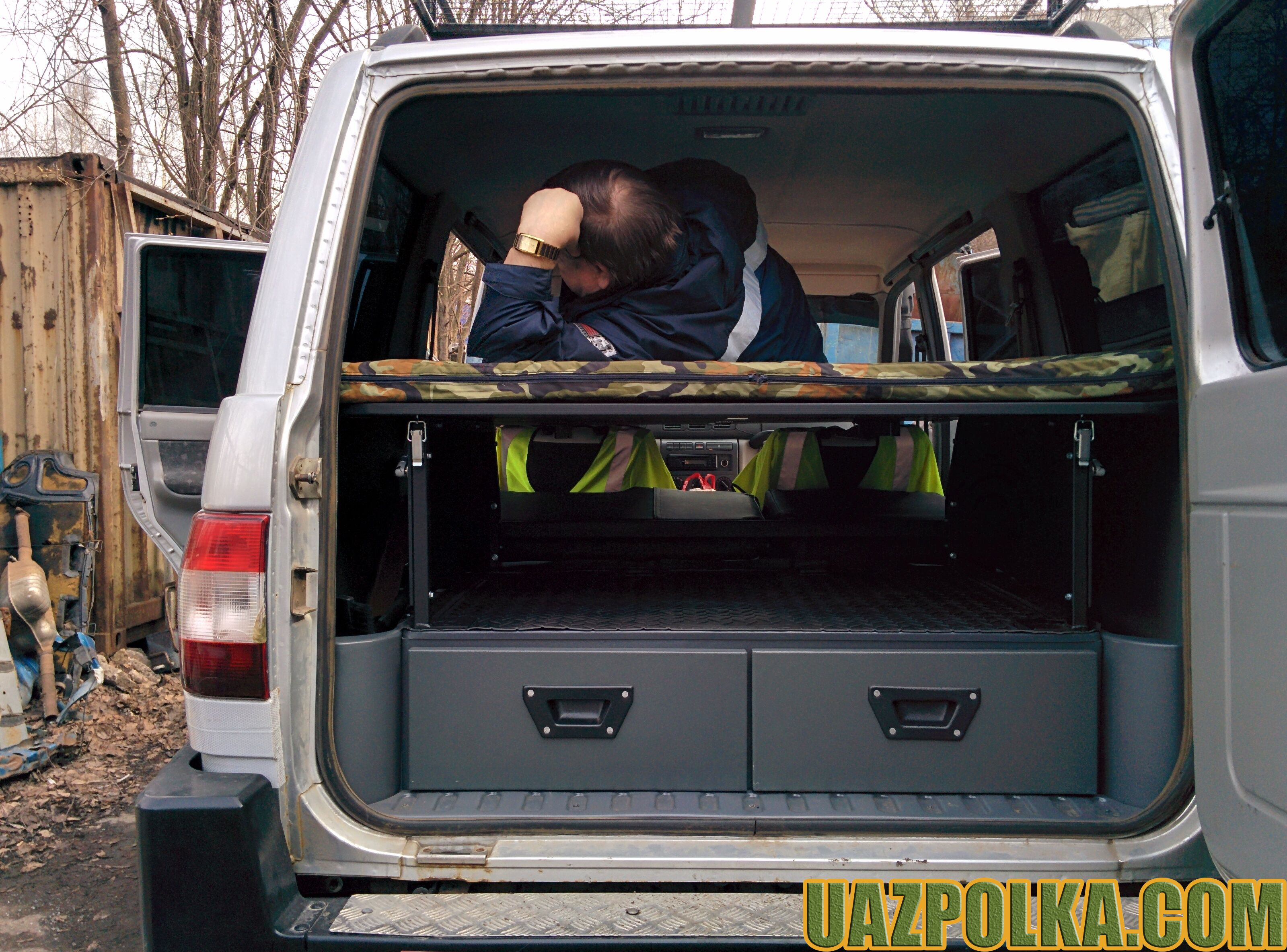 Полка Эконом New с лежанкой на ящиках стороннего производителя_13