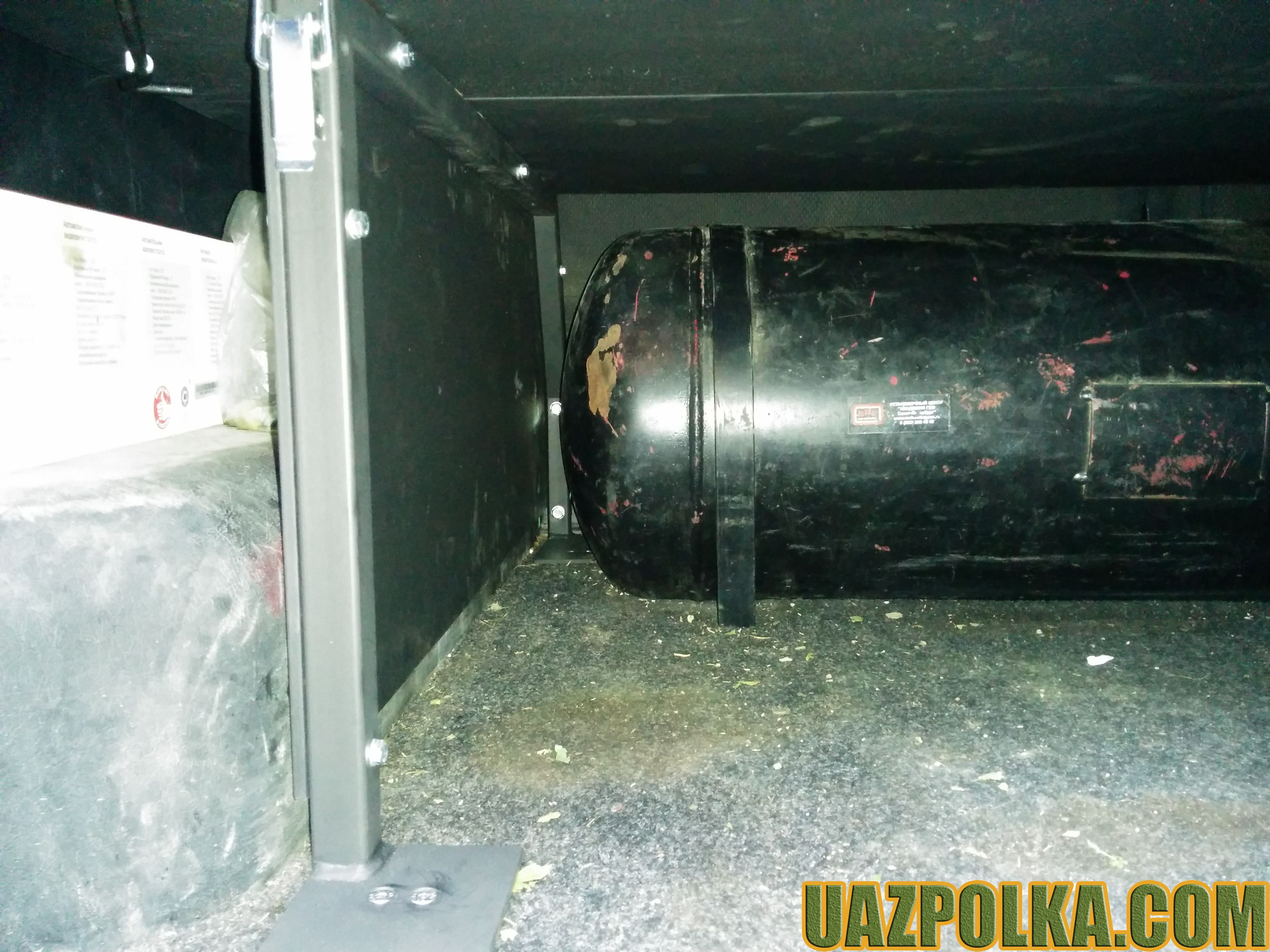 Полка ГБО 385 и баллон 90 литров_4