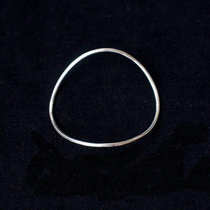 Single Curve Bangle