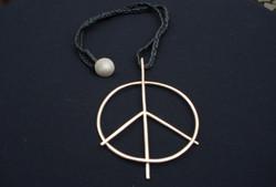 Peace pendant 'for god's sake'