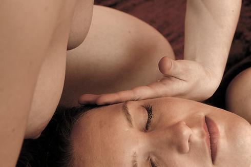 Yoni-Massage%206%20800-90_edited.png