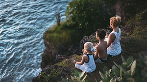 family_mediting_session-1296x728-header.